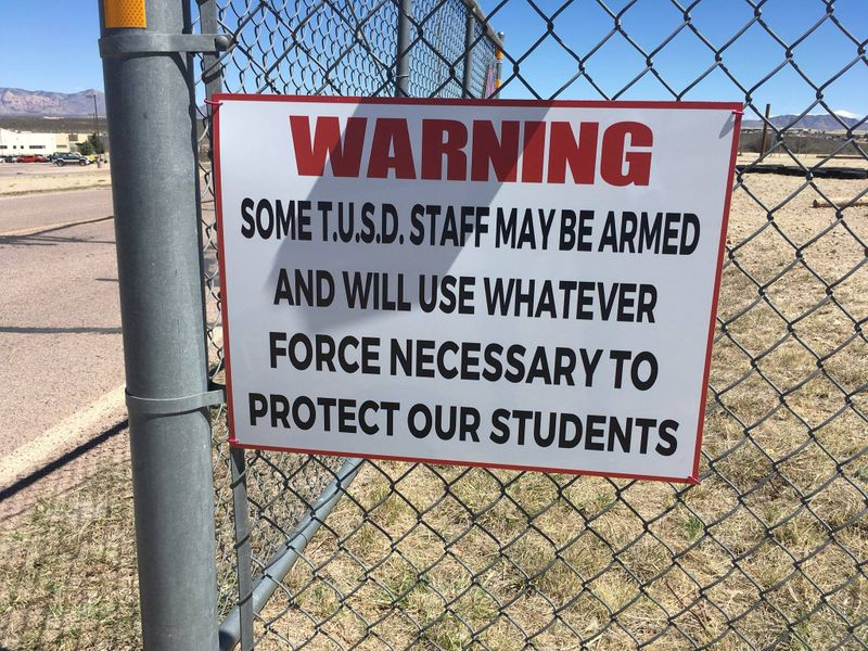 #NEW: Tombstone Unified School District posts warning signs at schools that staff may be armed. https://t.co/hDj2ANeUeo