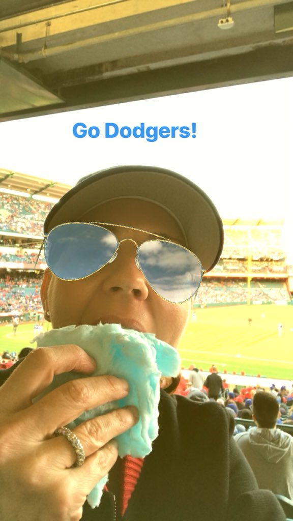 I had the pleasure of breakfasting with @sammyinlala today! Unfortunately, due to her no photos policy I'm prevented from sharing how much fun was had. So instead, in honor of #OpeningDay2018 enjoy a picture of me stuffing my face at the Dodger exhibition game last week.