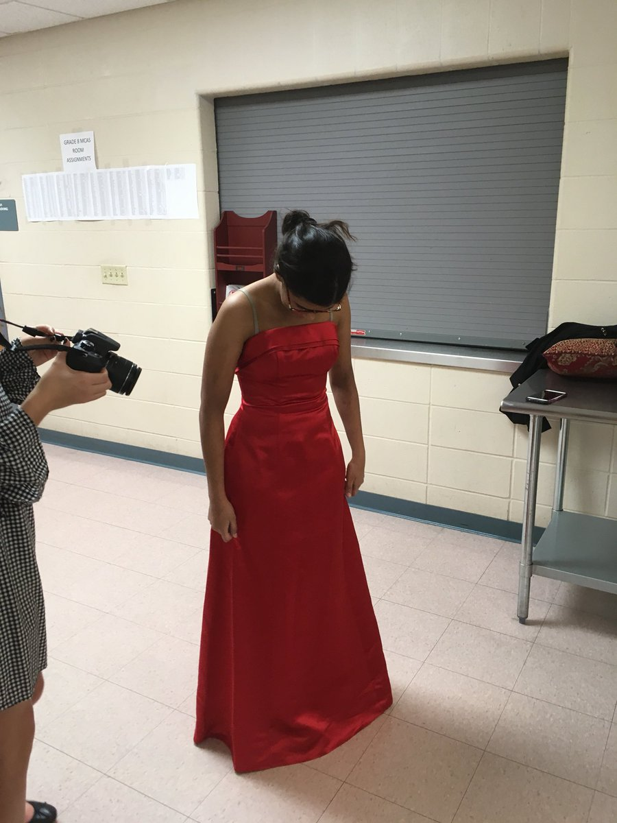 Barnstable High On Twitter Bhs Prom Dress Extravaganza Students
