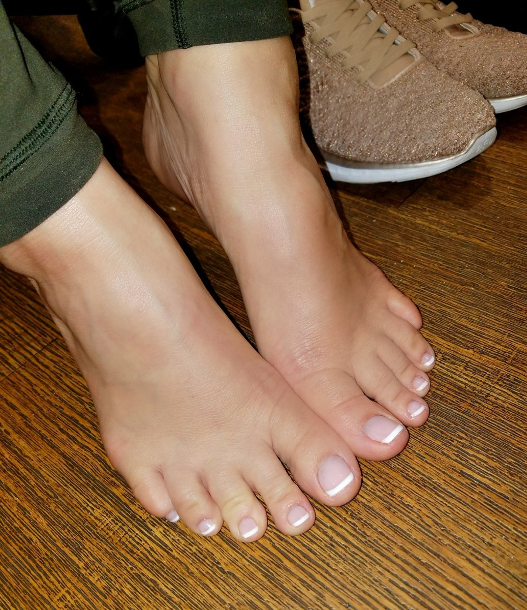 Cocos Tweet Heres To All My Feet Lovers That Are Always
