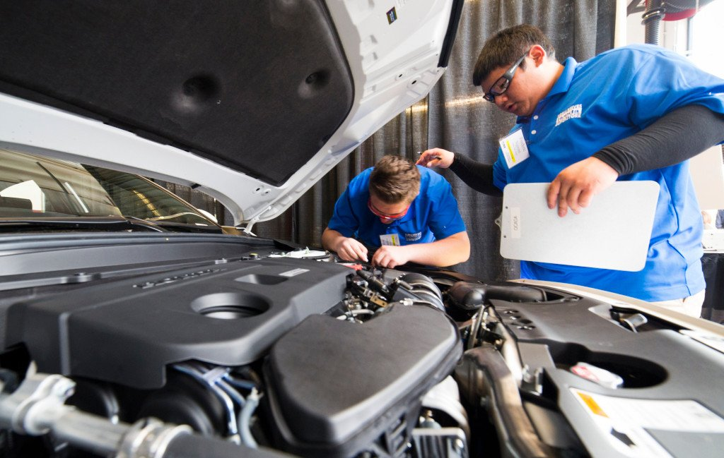 free auto mechanic school near me