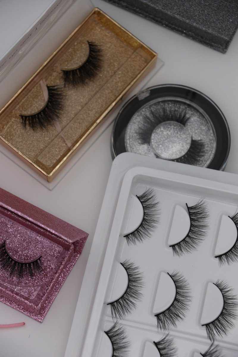 a404e955ad2 ... premium silk lashes with own brand and custom private package.  http://www.minkfurlash.com Email:alisa@miislashes.com  Whatsapp:+8617864383910 ...