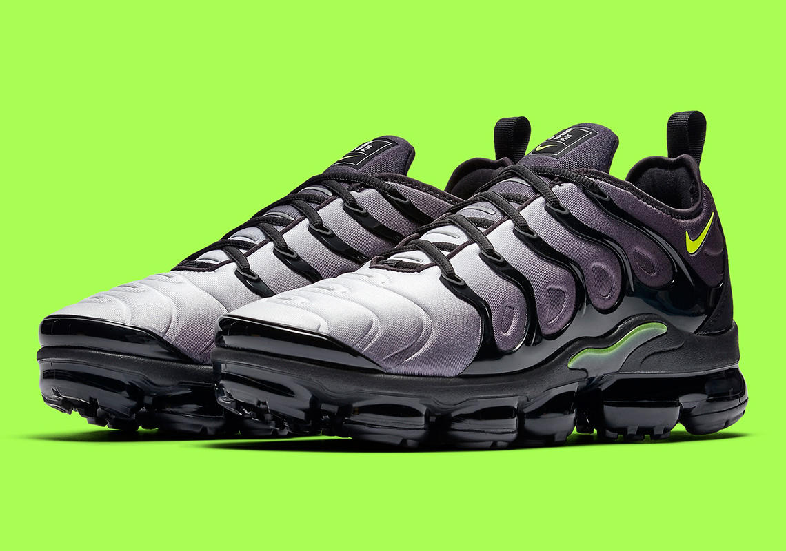 Nike Honors The Air Max 95 With The Nike Air VaporMax Plus  Neon . Grab  Your Pair Next Friday. http   finl.co El7 pic.twitter.com rjHHr79Mzv c0727611b6fd