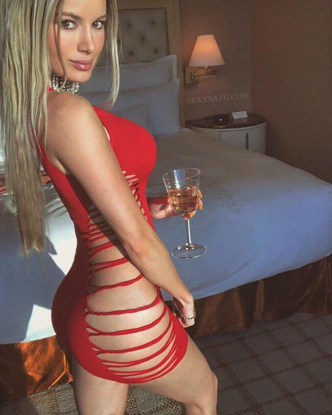 Natalie Gauvreau  - Do you guys twitter @SexyNatG