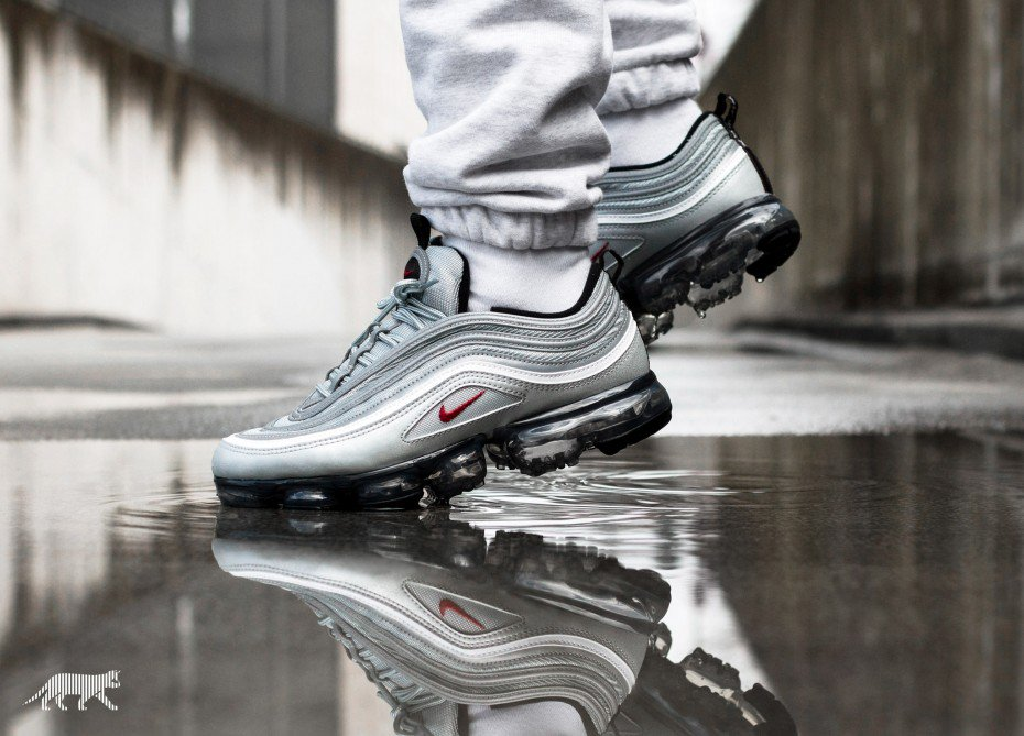 24714d7a0c What's your thoughts on this sole-swapped sneak?  https://thesolesupplier.co.uk/release-dates/nike/nike-air-vapormax-97-silver -bullet/ …pic.twitter.com/ ...