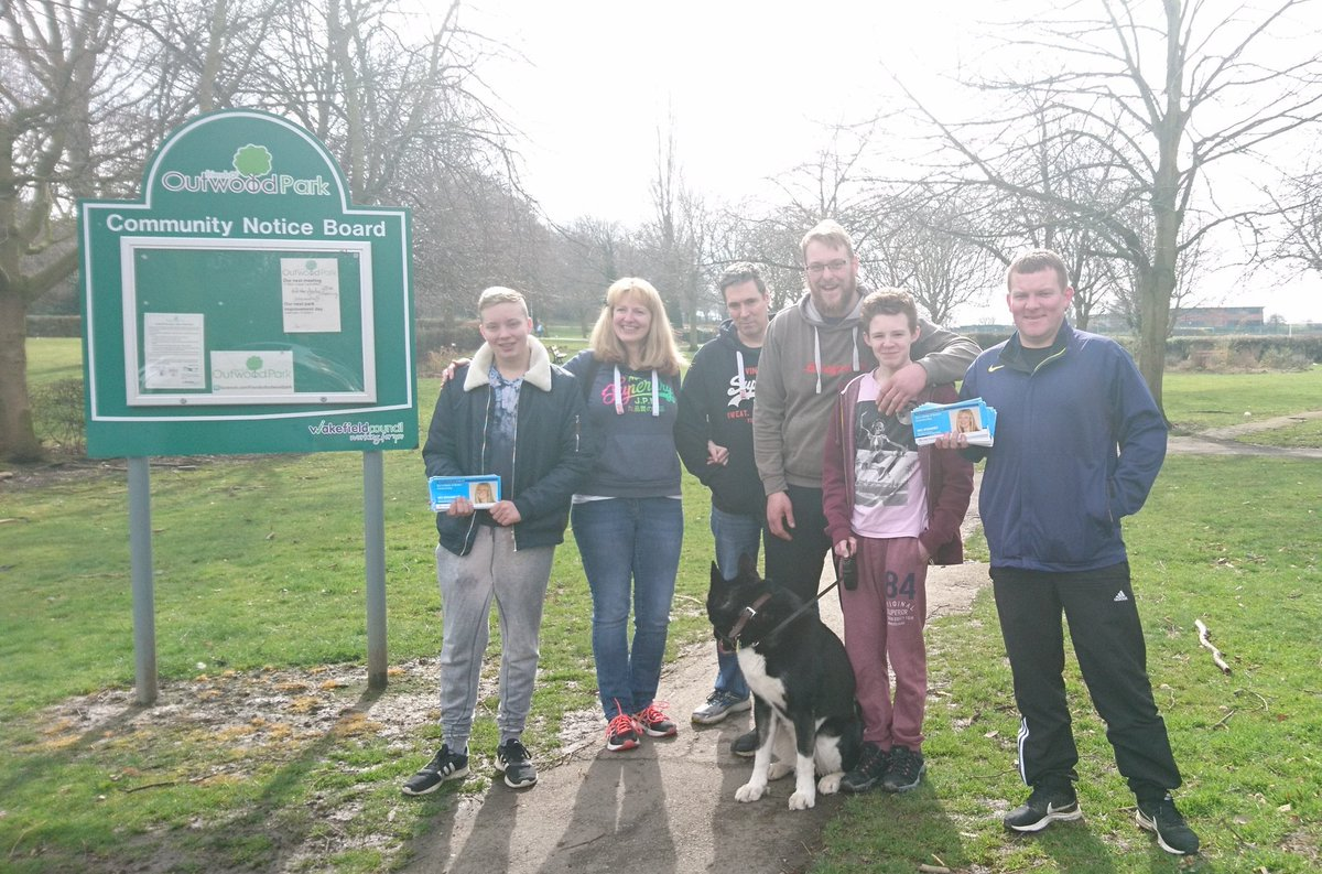 Canvassing in #Outwood #morleyandoutwood with both my real family &amp; my Tory family listening to residents concerns, no. 1 is potholes so they&#39;re delighted that the DoT is giving councils £100m to repair roads #ToryCanvass.<br>http://pic.twitter.com/23lGFOD0Bf