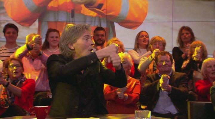 De Wereld Draait Door sluit seizoen af met 'Deze Vuist op Deze Vuist'