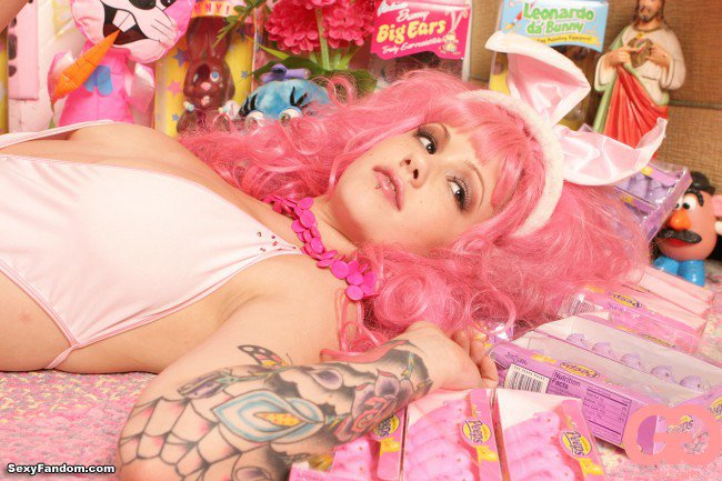 Sexy Fandom: Pink Bunny Veronica Plays With Her Easter...