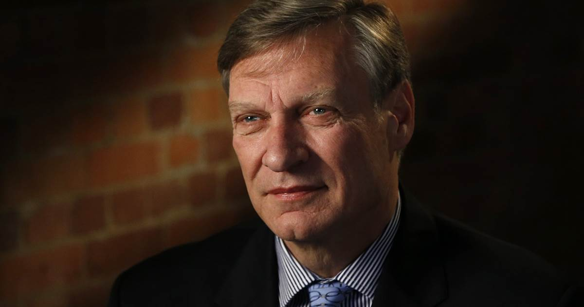 Trump ally Ted Malloch questioned by FBI, served with Mueller subpoena at Boston airport https://t.co/LqjdPg2L3d https://t.co/v47qFKbWSK