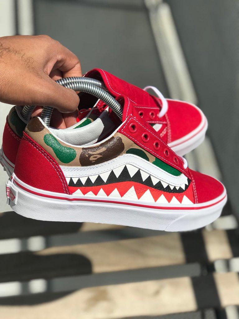 9d0a15bedc Custom Red Bape Camo Vans 🔺 🐒 🦈 🔻 pic.twitter.com ZtaaZrBzx1