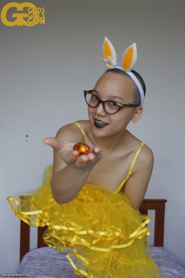 Sexy Fandom: KathTea rocking her Easter Dress https://t.co/JLwED0zepN...