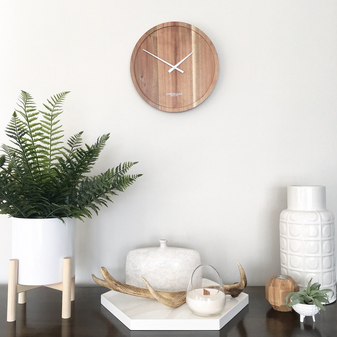 Don't forget! Tonight 3am turns into 2am as daylight saving ends! If you've got any clocks that need to be adjusted (thinking about you, microwave clock) don't forget to do it before you go to bed tonight. And of course enjoy that extra hour of sleep 😊😴 📷 Pure Wall Clock https://t.co/O3eVcaXGLs