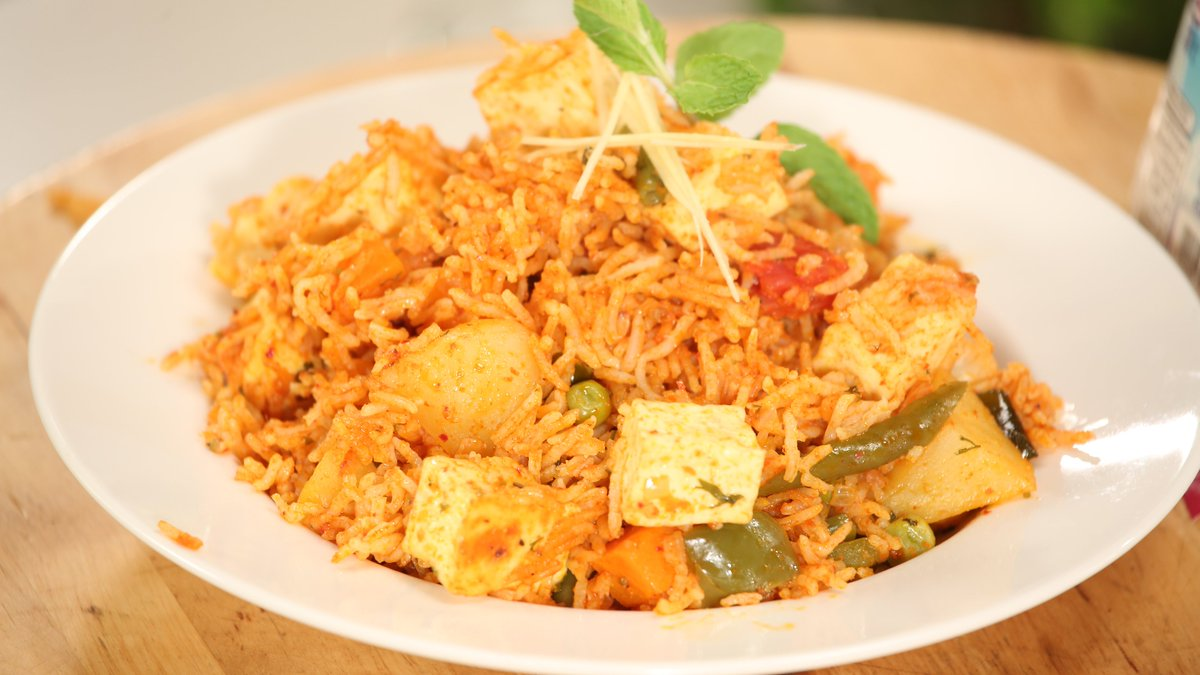 Chef sanjeev kapoor on twitter paneer biryani a classic indian click on this link httpsgoo8uarlt to watch the recipe picitterteynptso8d forumfinder Gallery