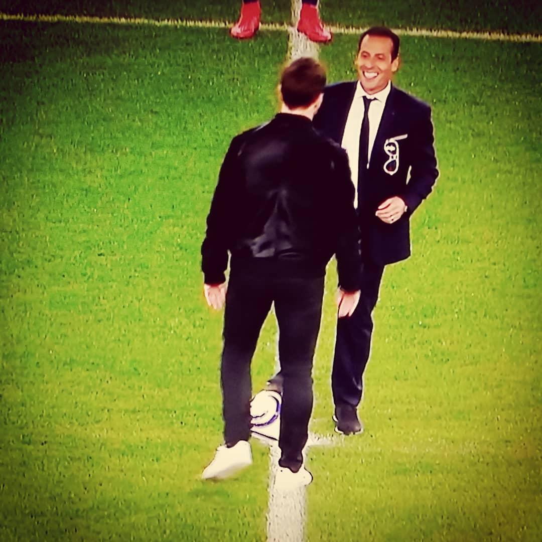 LA CLASSE ! @RothenJerome & @Ludovic_Giuly pour lancer la finale de la Coupe de la Ligue #PSGASM 👍