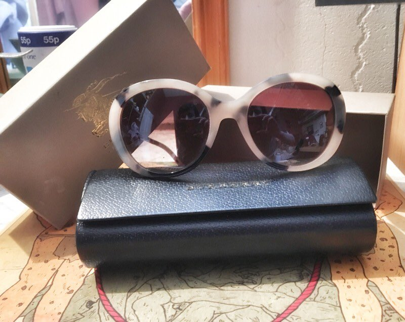 5fbe4da510a7 Come see buy a piece of me x x x http://www.vinted .co.uk/accessories/sunglasses/7851943-burberry-oversized-leopardtortoise- sunglasses-inc-case-box-etc … ...