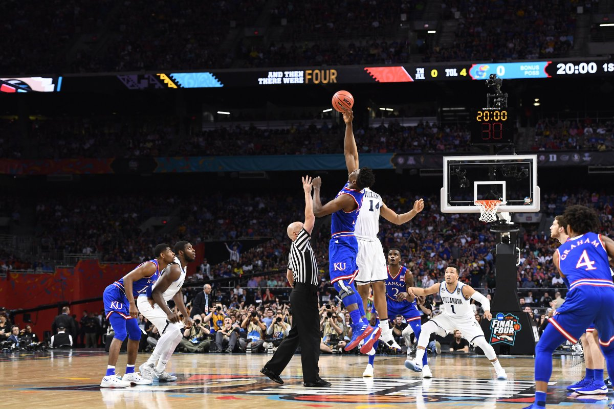 567997f2f4bd NCAA March Madness on Twitter