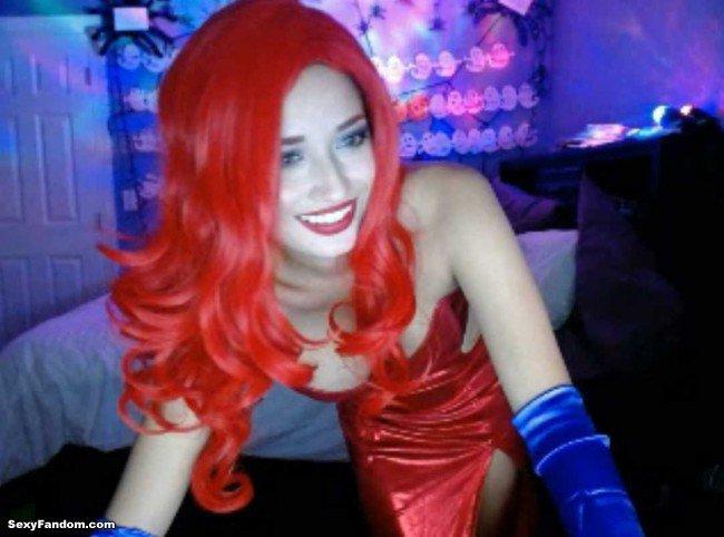 Sexy Fandom: Strange Leah Cosplays Jessica Rabbit https://t.co/xYgo9FOAns...