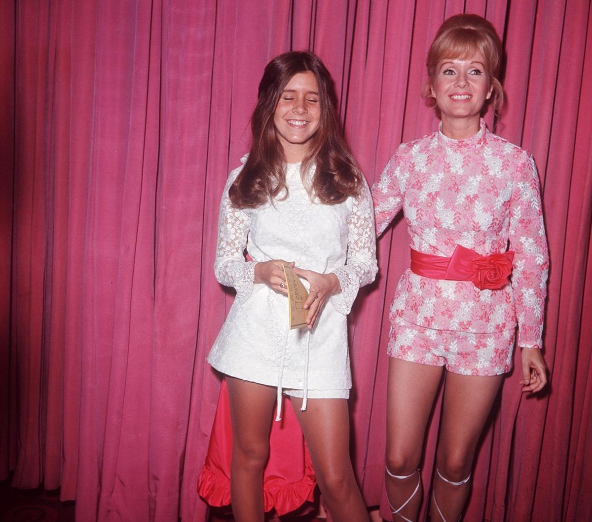 """1972 Porn this is not porn on twitter: """"carrie fisher and debbie"""