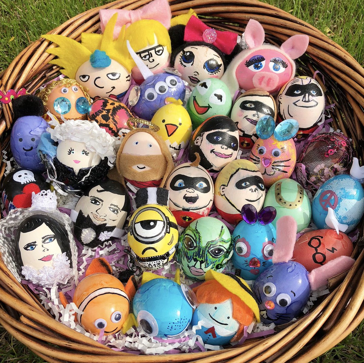 Happy Easter!!! Here are my annual Easter eggs! Can you guys guess the characters? 🌷🐇🐣
