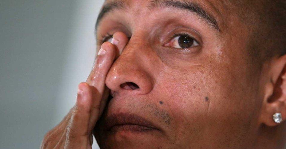 Roberto Carlos lamenta distância de seus nove filhos: 'Sofro muito' https://t.co/a0Akg0CEnJ