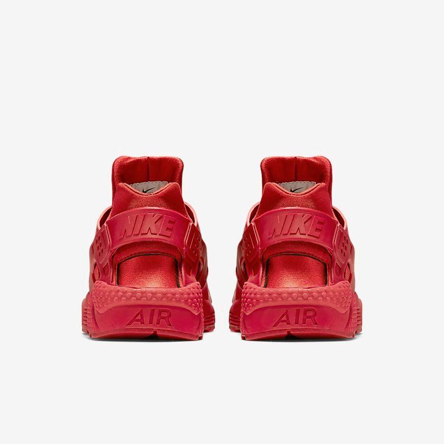c6ae59a800df Sneaker Shouts™ on Twitter