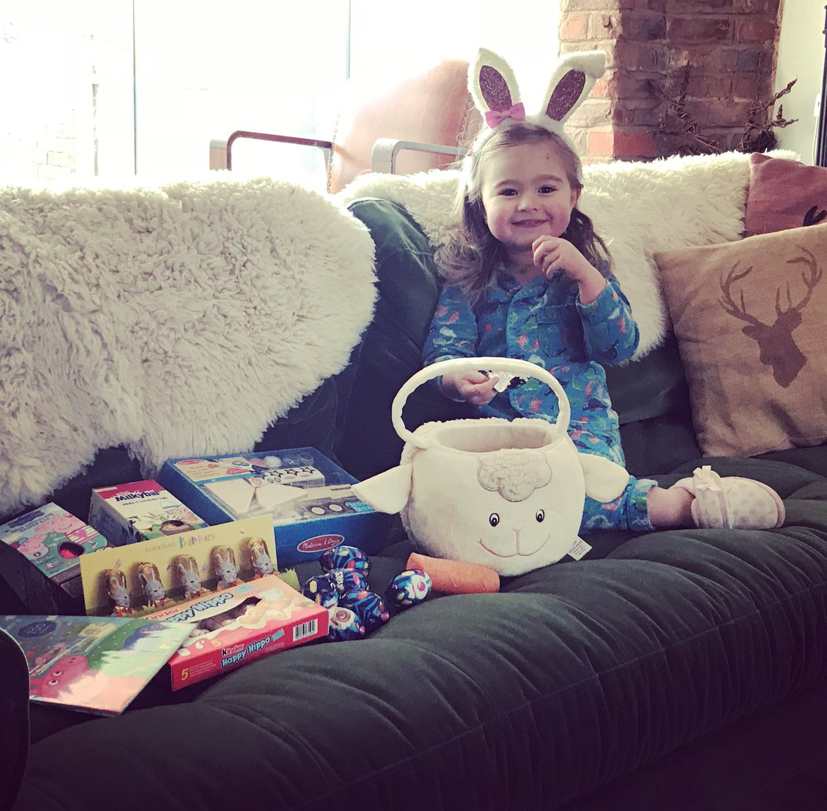 A magical Easter and my little bunny will take a lifetime to get through all her chocolate if mummy doesn't help, but I'm selfless like that and will do anything to help her out . Hope my work trousers are going to fit, it was already touch and go  #TreadmillTime <br>http://pic.twitter.com/puM72ClVou