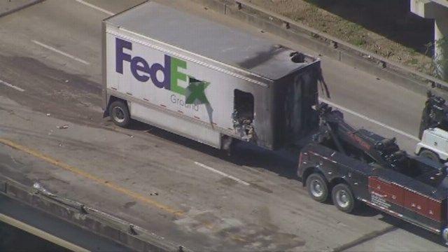 Police Fedex : SAD Police fatal accident cars crashed FedEx