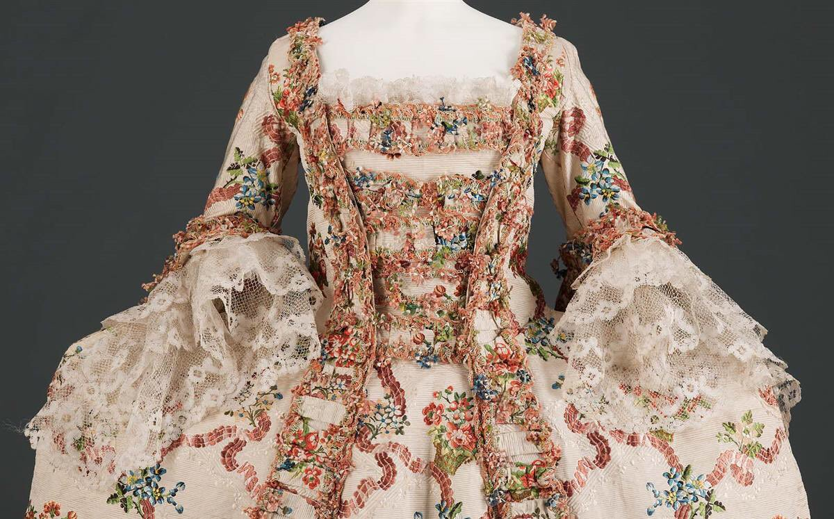 "Elegance A La Francaise ephemeral elegance on twitter: ""beautiful spring floral robe"