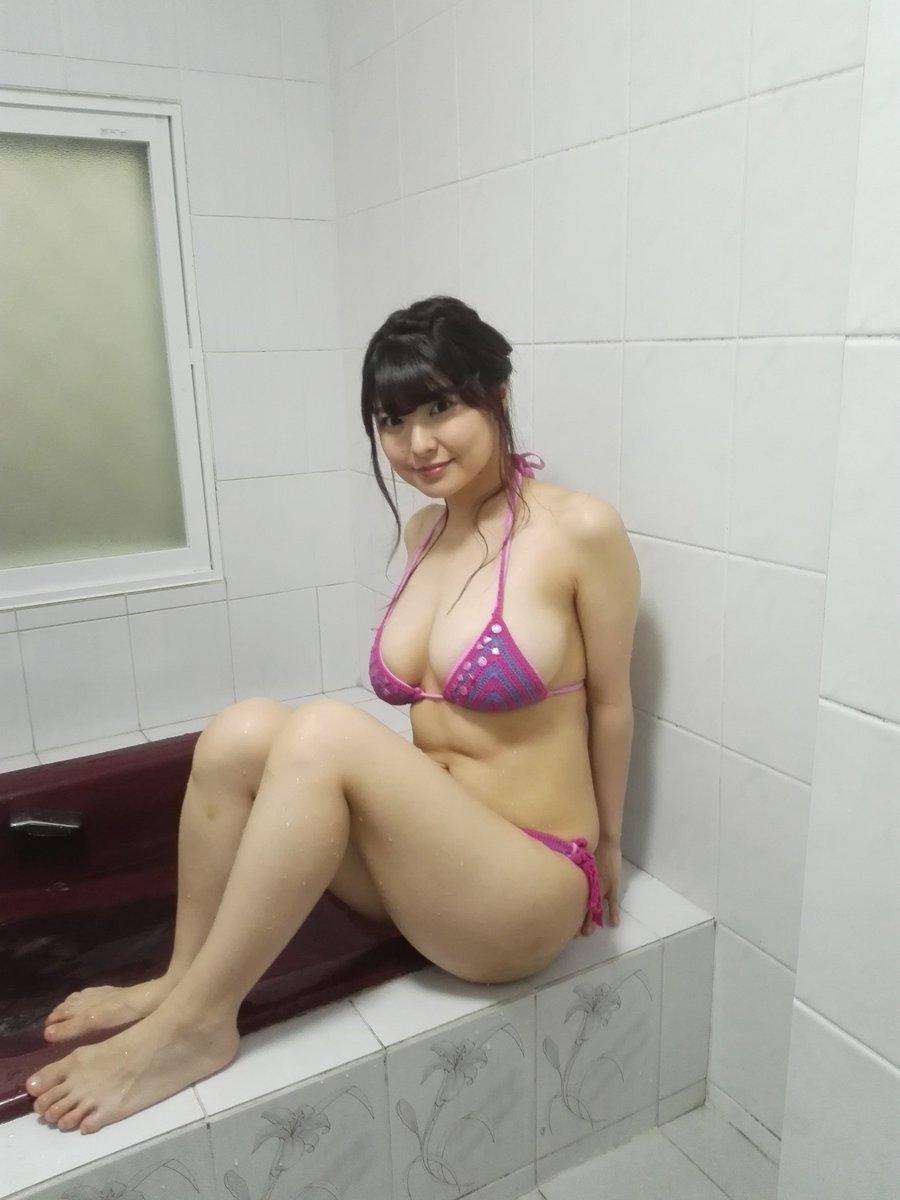 花井美理さんのビキニ