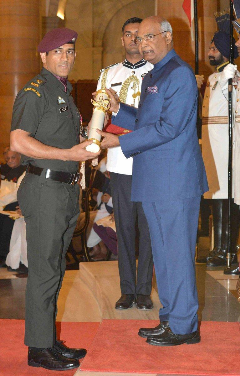 M.S Dhoni took the Padmabhushan in Lieutenant Colonel's Uniform