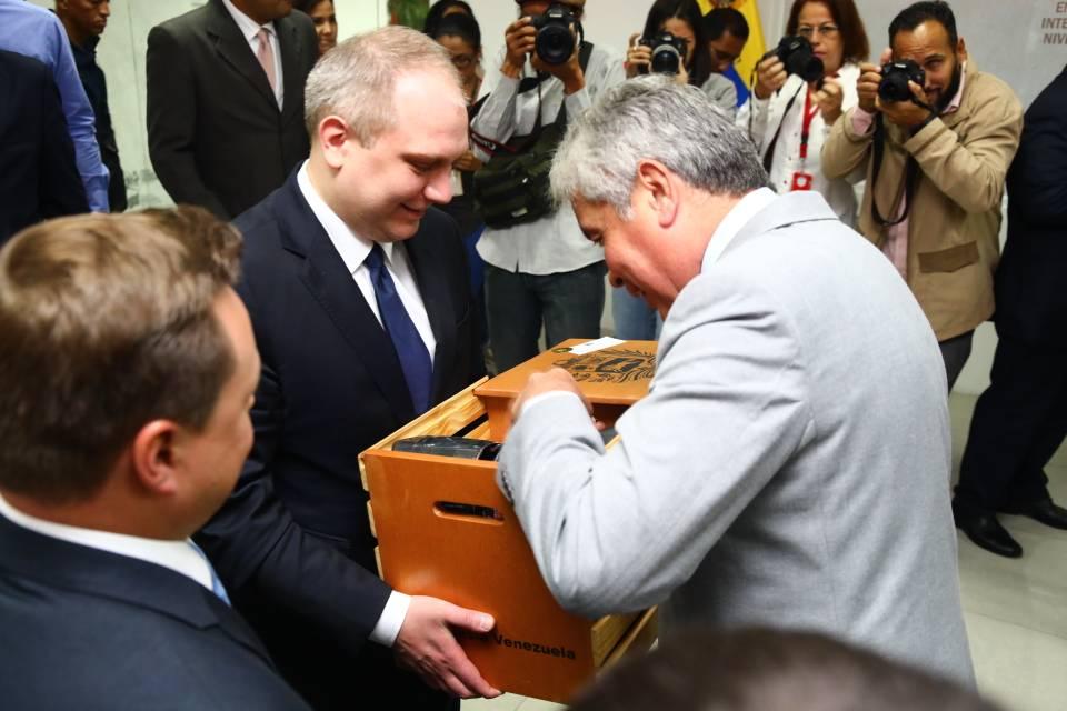 Brasil - Noticias Internacionales - Página 3 DZyuD0WX0AEhPDJ
