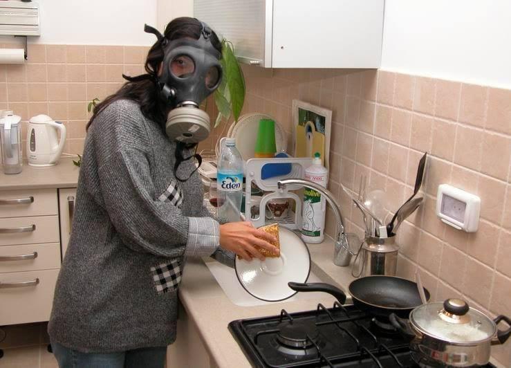Когда моешь посуду прикол картинка, самоделка