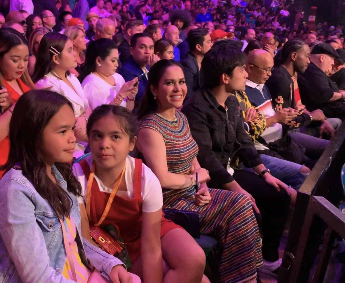 NBA Finals MVP Kawhi Leonard sits next to the Pacquiao family at #PacThurman. | via @mavgonzales<br>http://pic.twitter.com/Mhy34Ocm6j