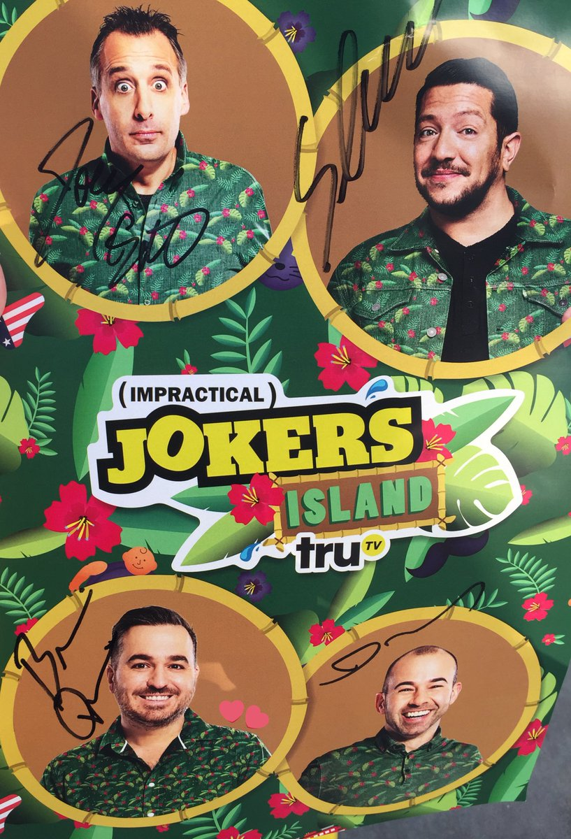 today was hands down one of the best moments of my life, meeting the guys was amazing...truly genuine people @truTVjokers #JokersIsland <br>http://pic.twitter.com/vgTqs5Y2yp – à Petco Park
