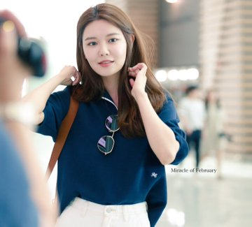 [PHOTO]  190721  Sooyoung - ICN Airport D_-i_nqU0AAqSKn?format=jpg&name=360x360