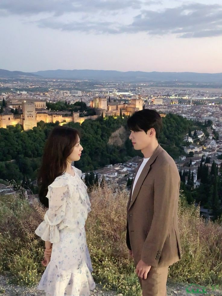 The real lover is the man who can thrill you by kissing your forehead or smiling into your eyes or just staring into space. ~ Marilyn Monroe #ParkShinHye #HyunBin #MemoriesOfTheAlhambra