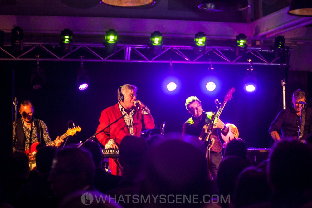 Snap Scene: Mental As Anything & Taxiride, Melbourne Public. 28th September 2017 https://lttr.ai/FWuh #MelbournePublic #MusicScene #Taxiride #Returning #MentalAsAnything