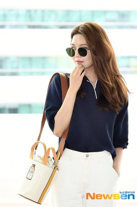 [PHOTO]  190721  Sooyoung - ICN Airport D_-quiHVUAAdvGx?format=jpg&name=small