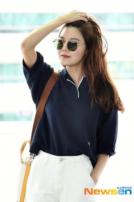 [PHOTO]  190721  Sooyoung - ICN Airport D_-quifVUAAgBzv?format=jpg&name=small