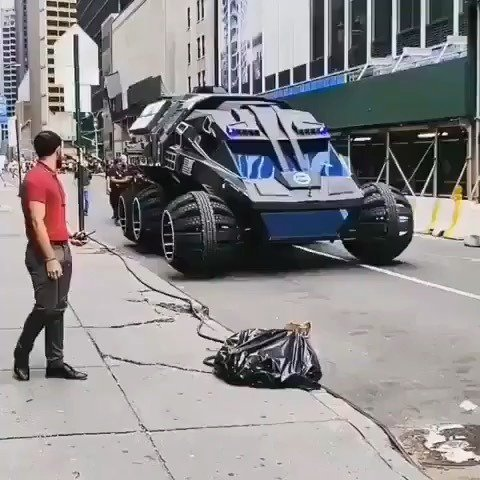 #NASA Mars #concept rover driving through the streets of New York City! - Repost from @engineeringequip - #engineering #equipment #equip #technology #space #spaceprogram #newyorkcity #industry #tools #industrial -  Remember to follow @IdealVisibility f… https://ift.tt/2YWleCkpic.twitter.com/j1So1JZ64X