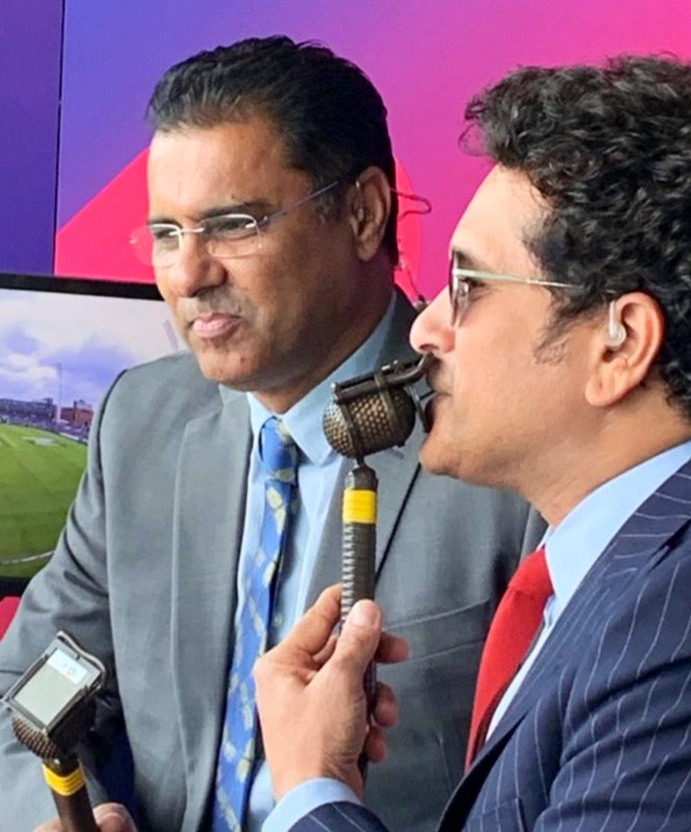 I can't forget a little inning he played at Sialkot 1989 and a Hundred💯at Chennai 1999.. From pitch side to the commentary box.. Thirty unbelievable and amazing years.. Lovely sharing commentary box with you #LittleMaster @sachin_rt  #CWC19