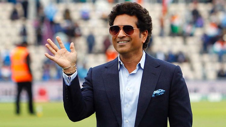#SachinTendulkar enters the ICC Hall of Fame 2019http://ddnews.gov.in/sports/sachin-tendulkar-inducted-icc-hall-fame-2019…