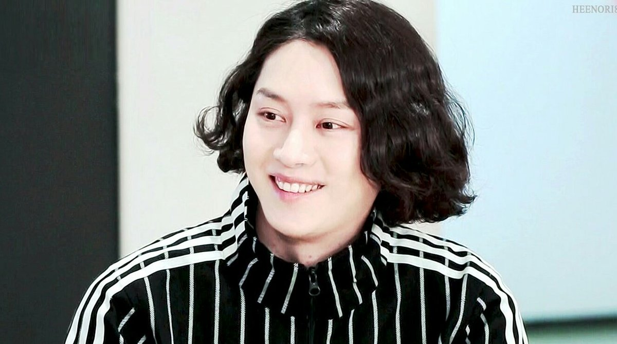 His smile can cheer people up 🥰  #HEECHUL #SUPERJUNIOR