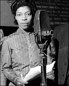 "In July 1933 Jamaican playwright, poet, journalist, performer & campaigner Una Marson - the BBC's first black female producer, creator of the Caribbean Voices  radio programme - wrote the poem ""Nigger"", addressing racism in England:  http://www. bl.uk/learning/citiz enship/campaign/myh/newspapers/gallery1/paper6/thekeys6.html   …   https:// newint.org/features/2018/ 10/30/remembering-una-marson-black-feminist-pioneer   …  <br>http://pic.twitter.com/MtOv7d2mR8"