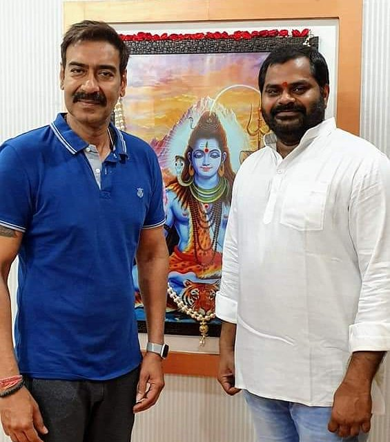 @ajaydevgn at #Balumunnangi  office at #Hyedrabad... Sets of #BhujThePrideOfIndia #AjayDevgn @Ajay_Devgn_FC