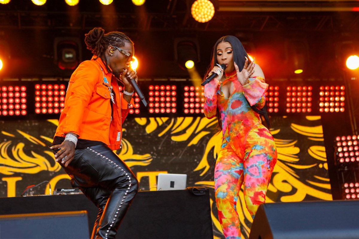 "Offset and Cardi B perform ""Clout"" on ""Jimmy Kimmel Live!""   https:// bit.ly/2SjU9pW     <br>http://pic.twitter.com/35ySgliHWc"