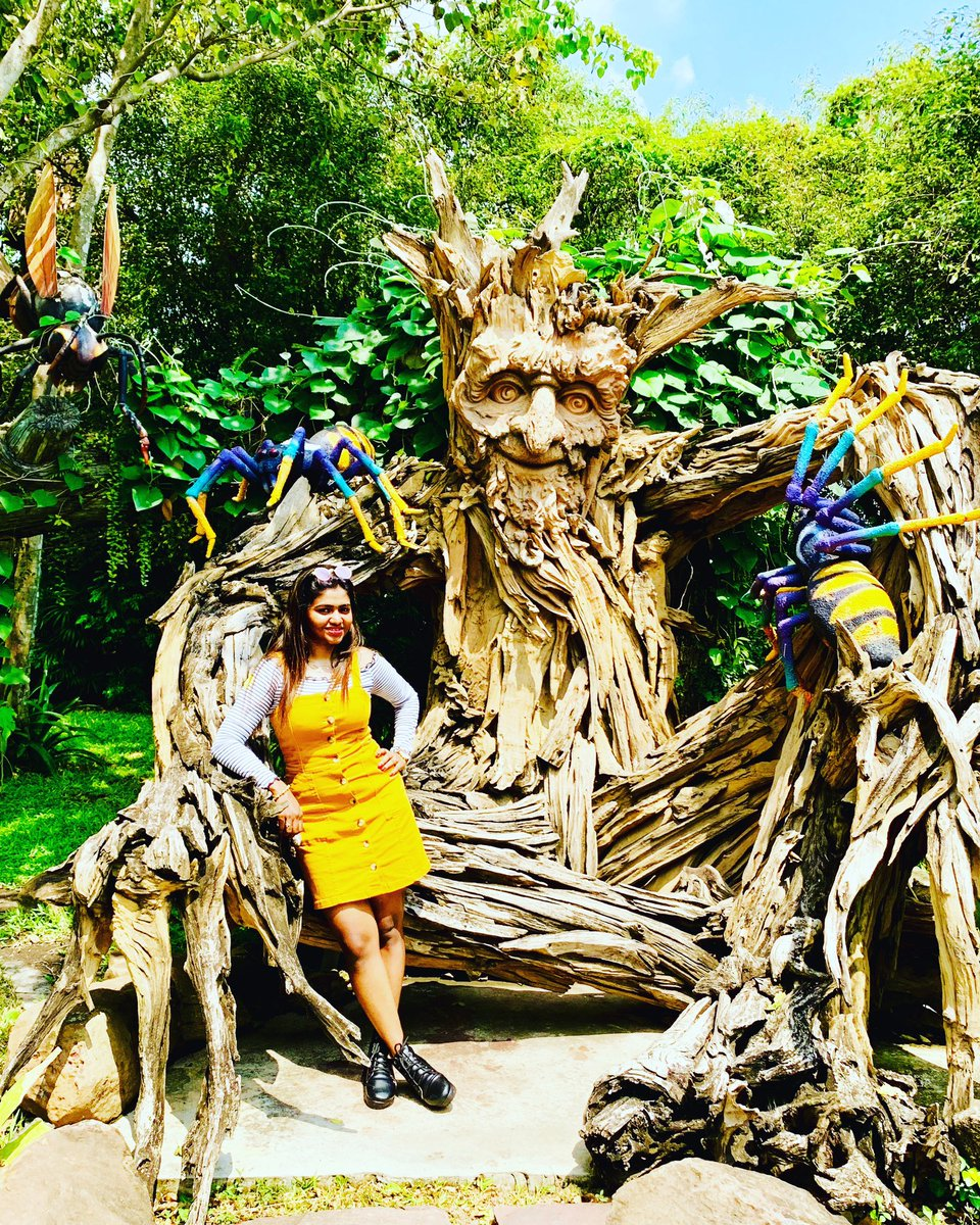 Life Begins At The End Of Your Comfort Zone...   @radhabhi   #gianttreeman #cartoon #characters #giantman #dreamworld #bangkok #entertainment #world #childsplay #amusementpark #themepark #rides #fabulouskiddies #artistic #shalushamu #throwback #pic.twitter.com/UytDDJ60b9 – at Dream World (ดรีมเวิลด์)