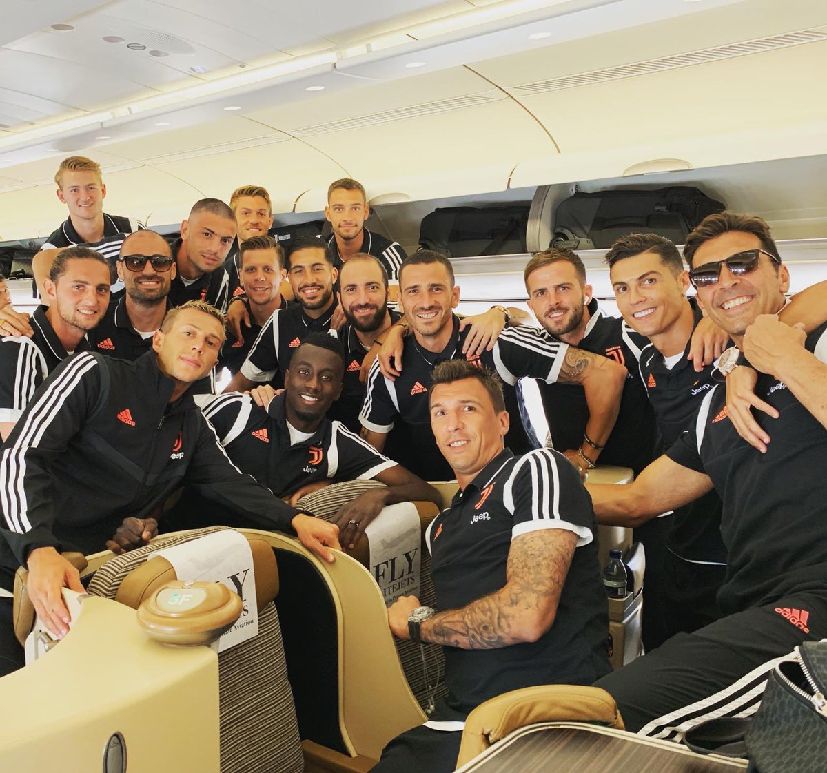 Juventus airlines. Ready for take off👨🏾✈️✈️ #FinoAllaFine