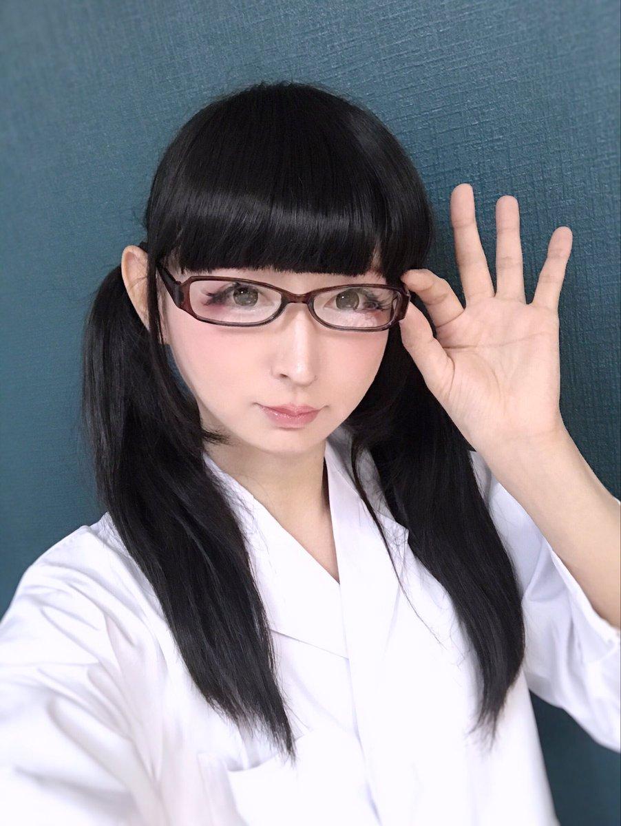 今日はCartilageさんの撮影に参加してきました♪空詩ちゃん(@karashi_1125)が撮ってくれたのです♪(このお写真はオフショットの自撮りです。)ロリィタ以外の撮影はお久しぶりなのでした♪白衣に眼鏡でもまったく色気が出ないところが、自分の長所だと勝手に思い込んでおりまする(*μ_μ)
