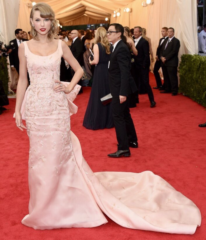 Which red carpet look? Vote below! #TaylorSwift #Swifties #redcarpet #TS1989 #Lover #MetGala  #iHeartAwards<br>http://pic.twitter.com/v0E0sQFvh4